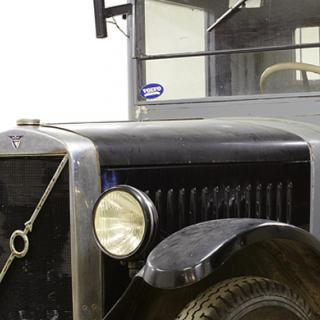 Världens äldsta Bentley ropades ut