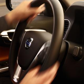 EU kräver förbud mot sms i bilen