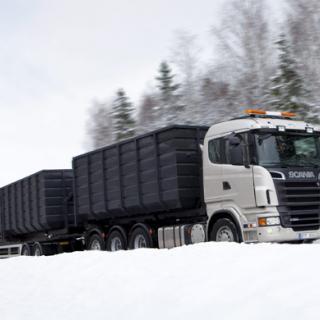 310 000 bilar på vinterdäck i sommar