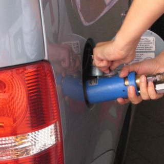 Ekonomisk oro sänker bensinpris