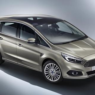 En ny S-Max från Ford kommer att visas upp på bilsalongen i Paris om två veckor.