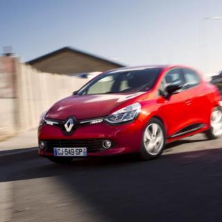 Renault Clio är en av modellerna som återkallas på grund av felinstallerade bromskomponenter.