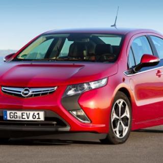 Opel Ampera spurtar sju platser på bottenlistan.