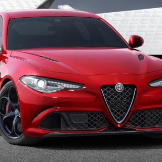 Alfa skrotar Giulia kombi