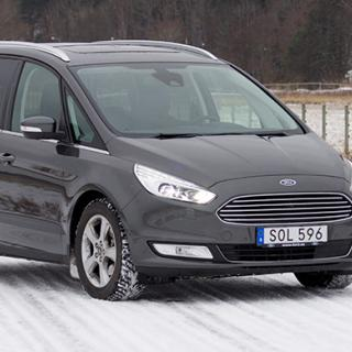 Tag plats! Utseendet är snarlikt förra generationens Galaxy men under det rymliga skalet delas tekniken med nya Ford Mondeo.