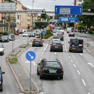 Transportstyrelsen vill att städer ska få möjlighet att införa förbud mot personbilar som släpper ut mycket avgaser.