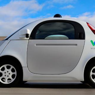 Googles självkörande projekt har fått namnet Waymo och blir ett eget företag under Alphabet Inc.