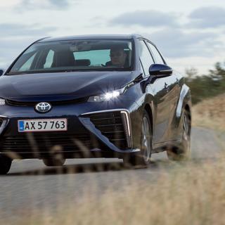 Om vätgasdrivna Toyota Mirai körs för aggressivt kan den tillåtna spänningsnivån överstigas.