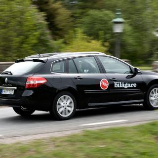 Frågeställaren har en Renault Laguna och undrar om det är en dålig idé att behandla den med linolja.