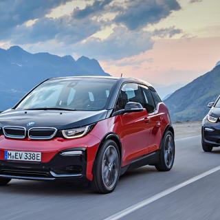 BMW i3s gör 0-100 km/tim på 6,9 sekunder. Det är 0,4 sekunder snabbare än vanliga i3.