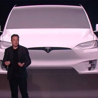 Elon Musk vill köpa ut Tesla