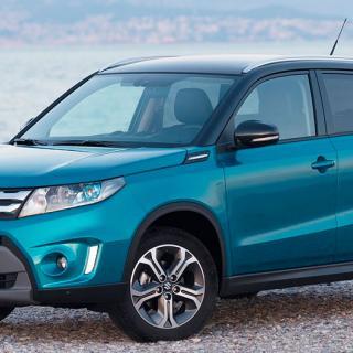 Frågeställaren har skaffat ett reservhjul till sin Suzuki Vitara och funderar över vilka skruvas som kan användas för att montera det.