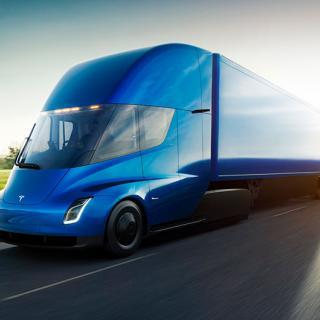 Bekräftat: Tesla Semi blir minst två år försenad