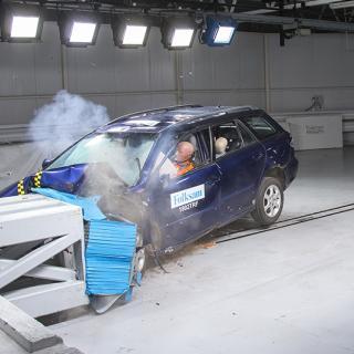 När Mazda 6 var ny fick den fyra av fem stjärnor i krocktestbetyg. De rostiga bilarna som testades fick en svag trea.