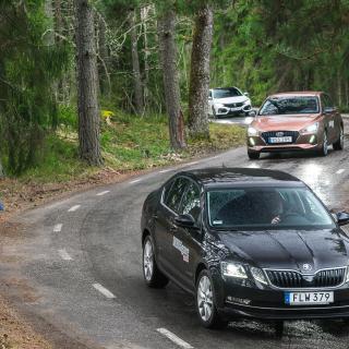 Trygga köregenskaper finns i alla tre testbilar, men Honda Civic är klart roligast att ratta.