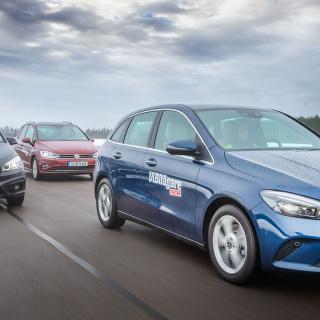Test: BMW 218d, Mercedes B 220 D & Volkswagen Golf Sportswagon (2019)