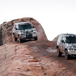 Land Rover Defender får nytt taktält för rätta safarikänslan