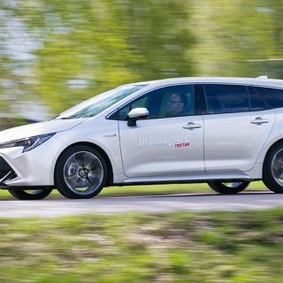 """Toyota anmäls för """"vilseledande"""" hybridreklam"""