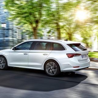 Skoda Octavia RS officiell med bensin- och dieselmotor