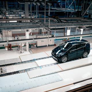 Sono Motors tar in ytterligare 450 miljoner – en av grundarna lämnar