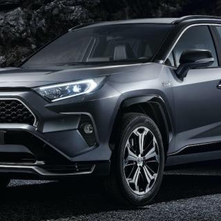 Orderböckerna öppnar för nya Toyota RAV4