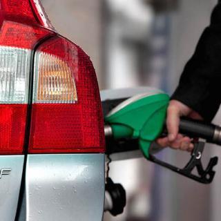 E85 börjar ersättas med HV0100 på allt fler stationer i landet men riskerar aldrig att försvinna helt då den finns kvar i landets drivmedelsdepåer för låginblandning i vanlig bensin (E5).