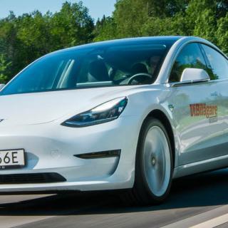 Teslaägare slår larm om trög snabbladdning