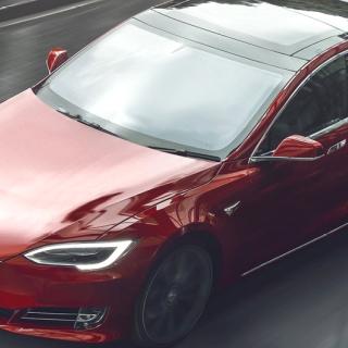 Tesla i blåsväder igen: Autopilot inte självkörande