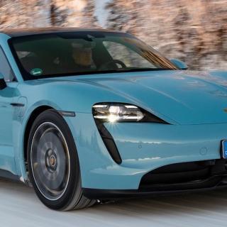 Volvos batterilabb, Porsche Taycan och rumpchock