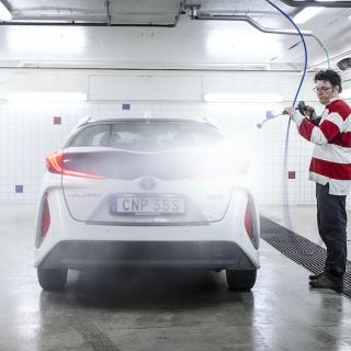 En välutrustad tvätthall gör bilvårdspysslet roligare, effektivare och miljövänligare.