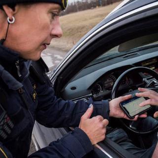 Fordförarens överraskande fortkörningsbot: 703 km/tim