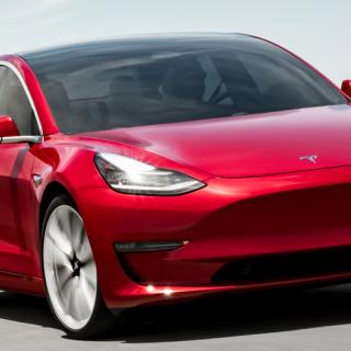 Se experimentet: Här laddas Teslan – med cykelkraft