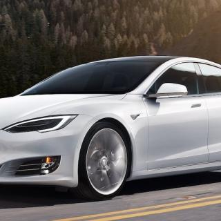 Tesla Model S Plaid är kvickast hittills – och har längst räckvidd
