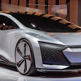 Konceptbilen Audi Aicon från 2017 kan ge en hint om hur nya A9 e-tron skulle kunna se ut.