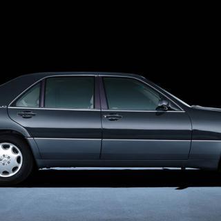 Mercedes 600 Pullman återföds
