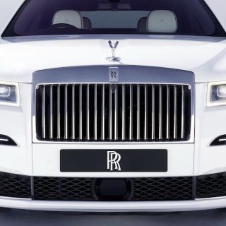 Rolls-Royce Ghost skiftar till fyrhjulsdrift