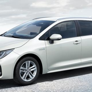 Provkörning: Suzuki Swace (2021)