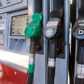 Nya bensinen E10 kommer i sommar – kan skada äldre bilar
