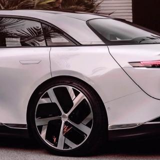 """""""Jag blev utskrattad när jag visade upp Tesla på bilmässan"""""""