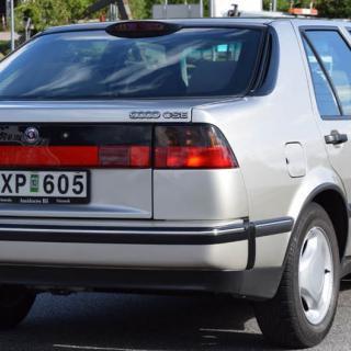 Saab sänker priset för 9-5 Sedan