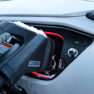 OKQ8 bygger nya snabbladdare för elbilar – upp till 150 kW