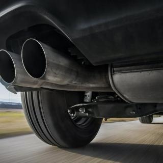 Tusentals bilar försvinner – tullen kan bara se på