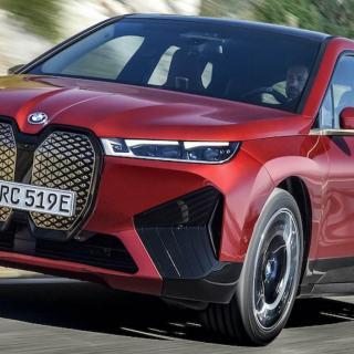BMW försvarar iX-designen med kontroversiell kampanj