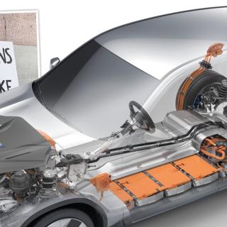 """BMW kan införa """"pant"""" på elbilsbatterier"""