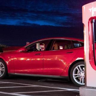 Tesla når 500 laddpunkter i Sverige – fler är på gång