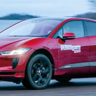 Jaguar och Land Rover fasar ut dieseln – blir elbilsmärken