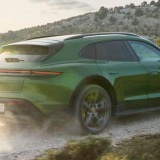 Porsche Taycan, manuella växellådans död och är det okej att tuta?