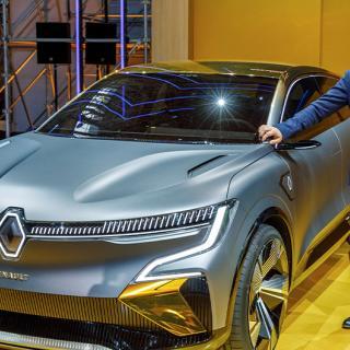 Säkerheten går först, menar Renaults vd Luca de Meo. Här på Renault eWays press conference år 2020.