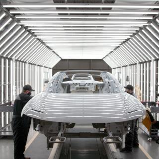 En Lucid Air under tillverkning i Arizona. Foto: Lucid
