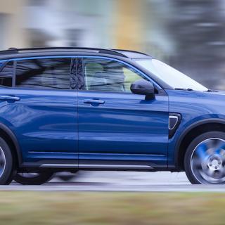 Marknadsföringen är inte så lite flummig. Bilen som är byggd på Volvodelar står sig dock fint på egna ben.